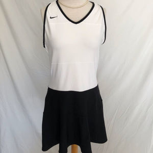 Nike black & white Color block tennis dress